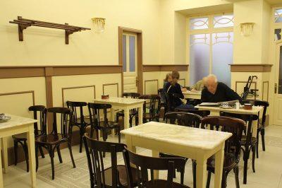 Mesas Confitería Madarro